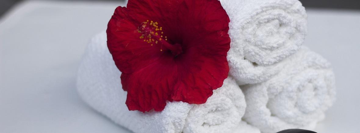 Gelaatsverzorgingen bij Callas, handdoek, zen, wellness, flower